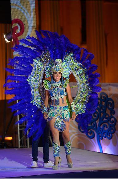Una reina del Carnaval sufre quemaduras al prenderse su