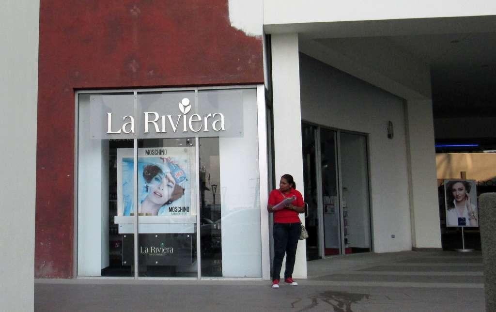 La riviera ya no acepta tarjetas de cr dito la prensa for Efectivo ya sucursales