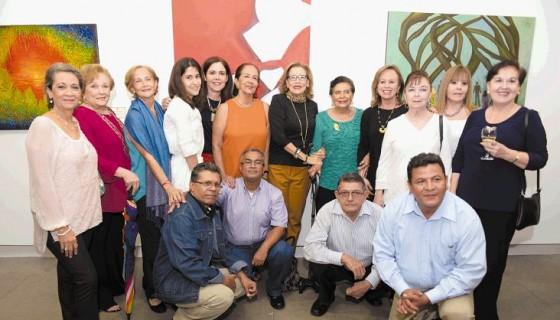 Exponentes del grupo Formas y colores realizan su séptima muestra de pinturas, dibujos, esculturas e instalaciones. LAPRENSA/MAYNOR VALENZUELA