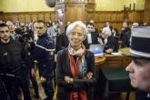Directora del FMI encontrada culpable por negligencia