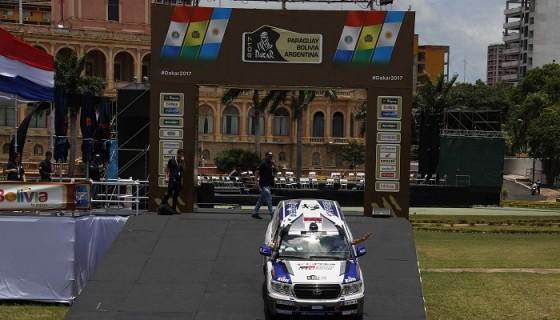El Rally Dakar tendrá hoy su primer día de travesía, en la que será una competencia extenuante. LA PRENSA/EFE/Andrés Cristaldo Benítez