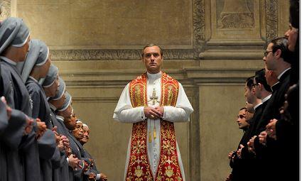 Jude Law, protagonista de The Young Pope (El Papa Joven), la nueva serie de HBO. LA PRENSA / Agencias.